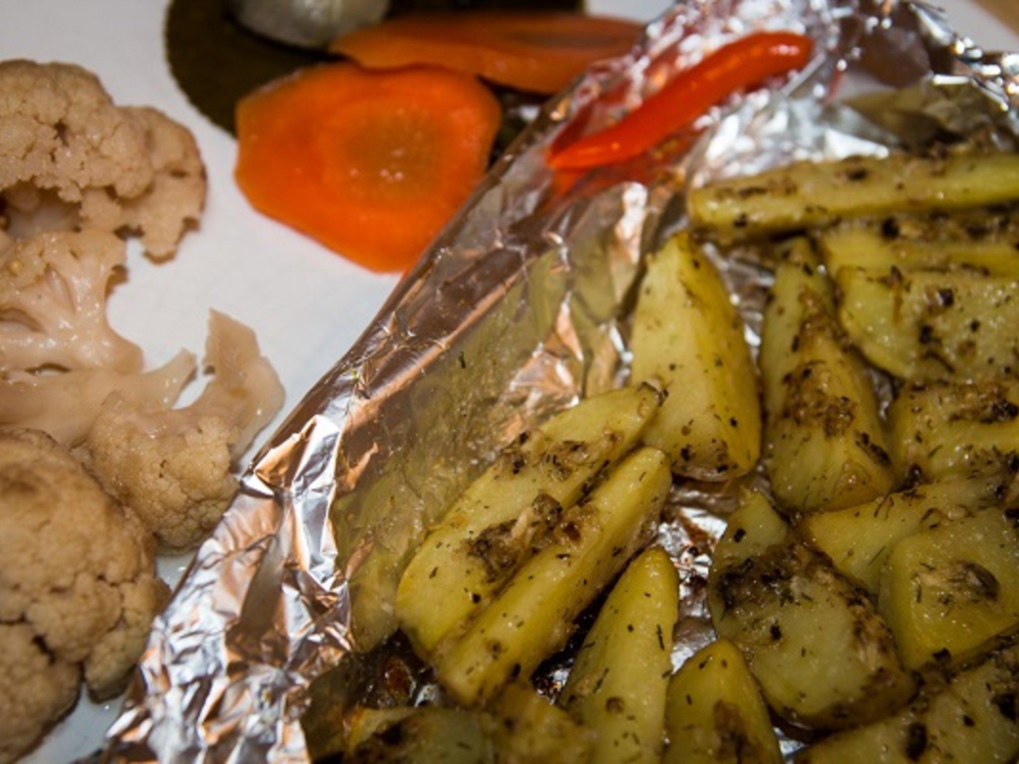 Картошка в духовке с чесноком пошаговый рецепт