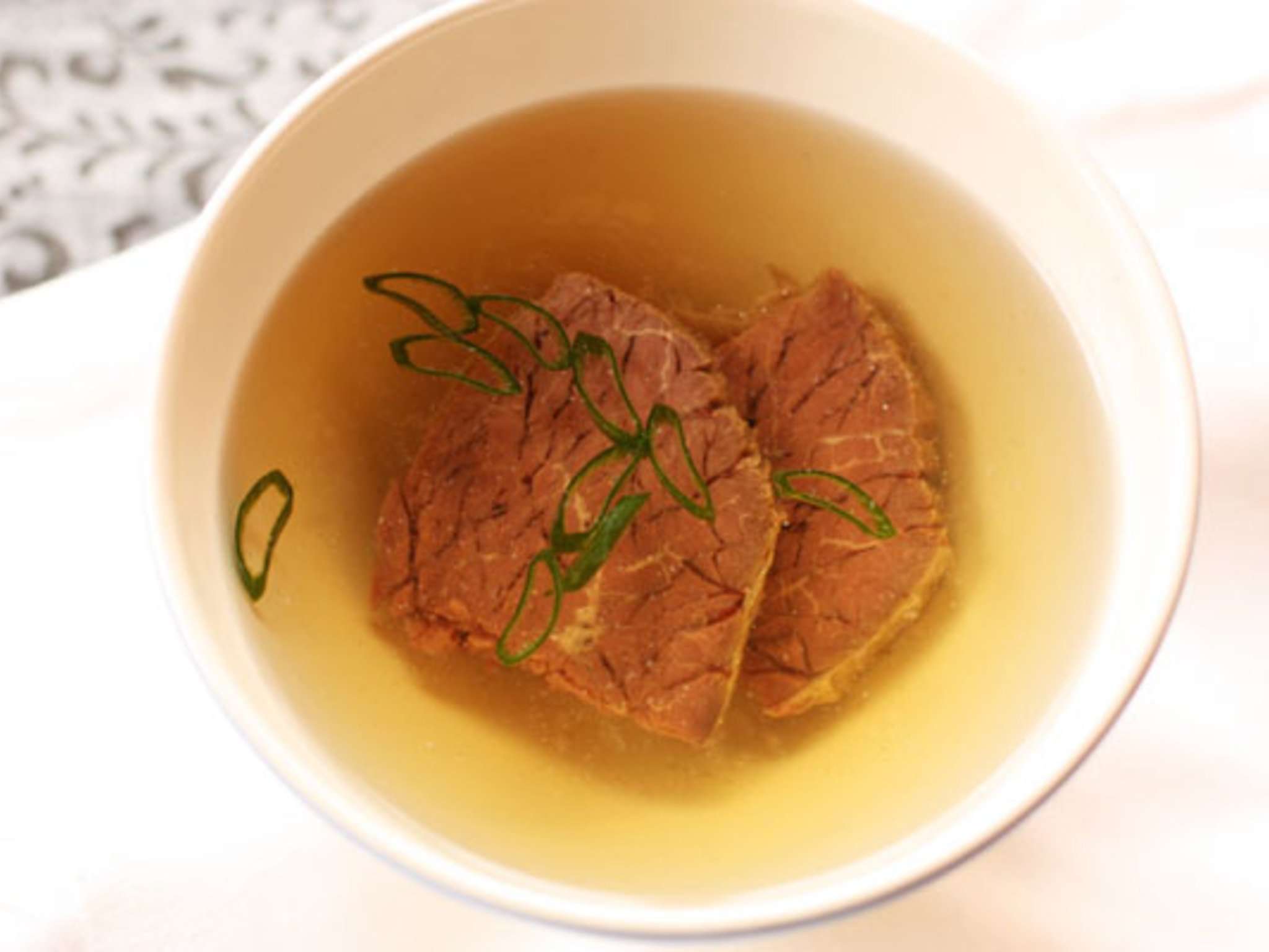 Как сделать бульон из говядины на кости наваристым и вкусным