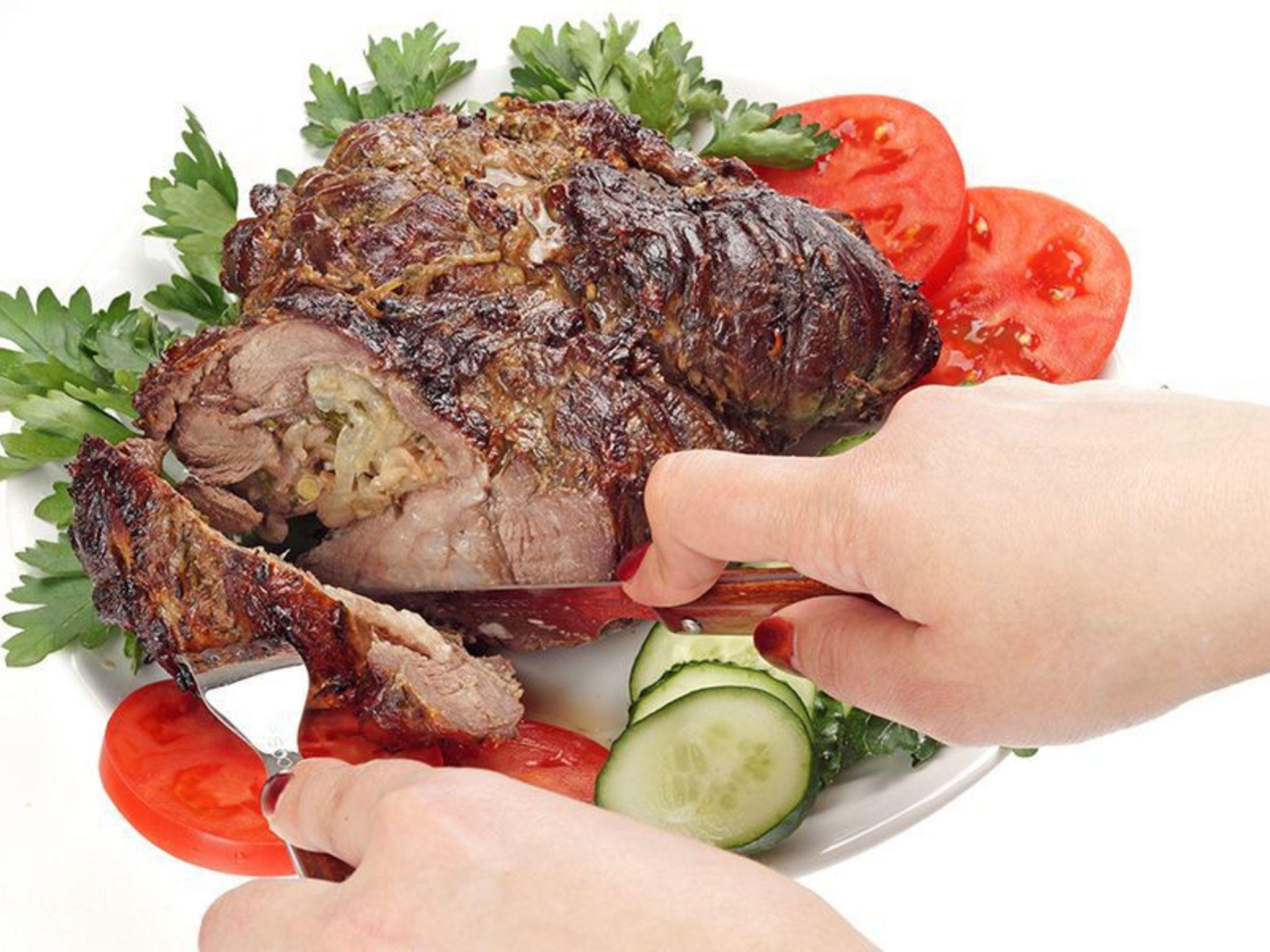 Рецепт бараньей ноги в винном соусе с розмарином (фоторецепт) Кулинарный сайт