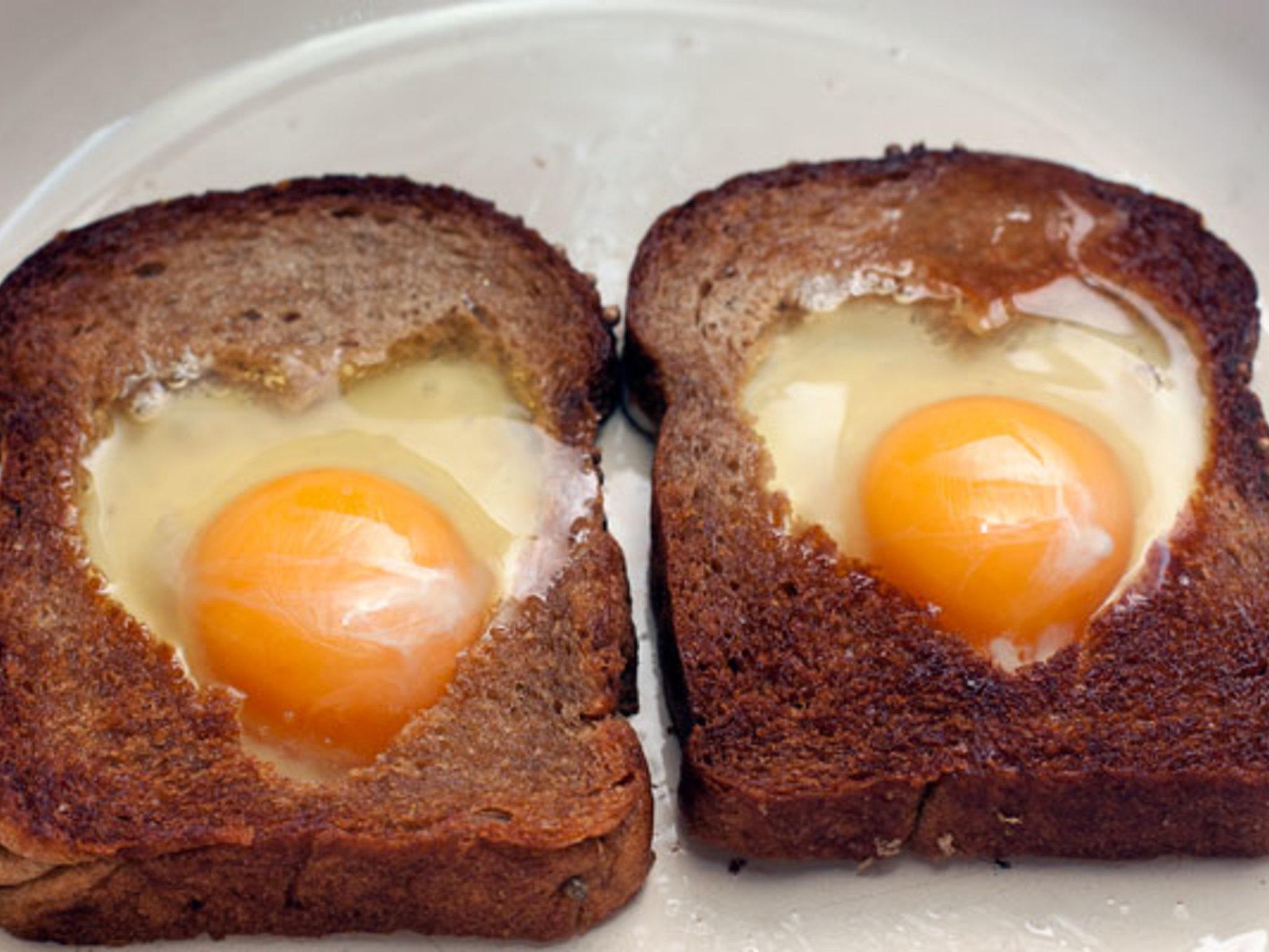 Яичница с белым хлебом рецепт
