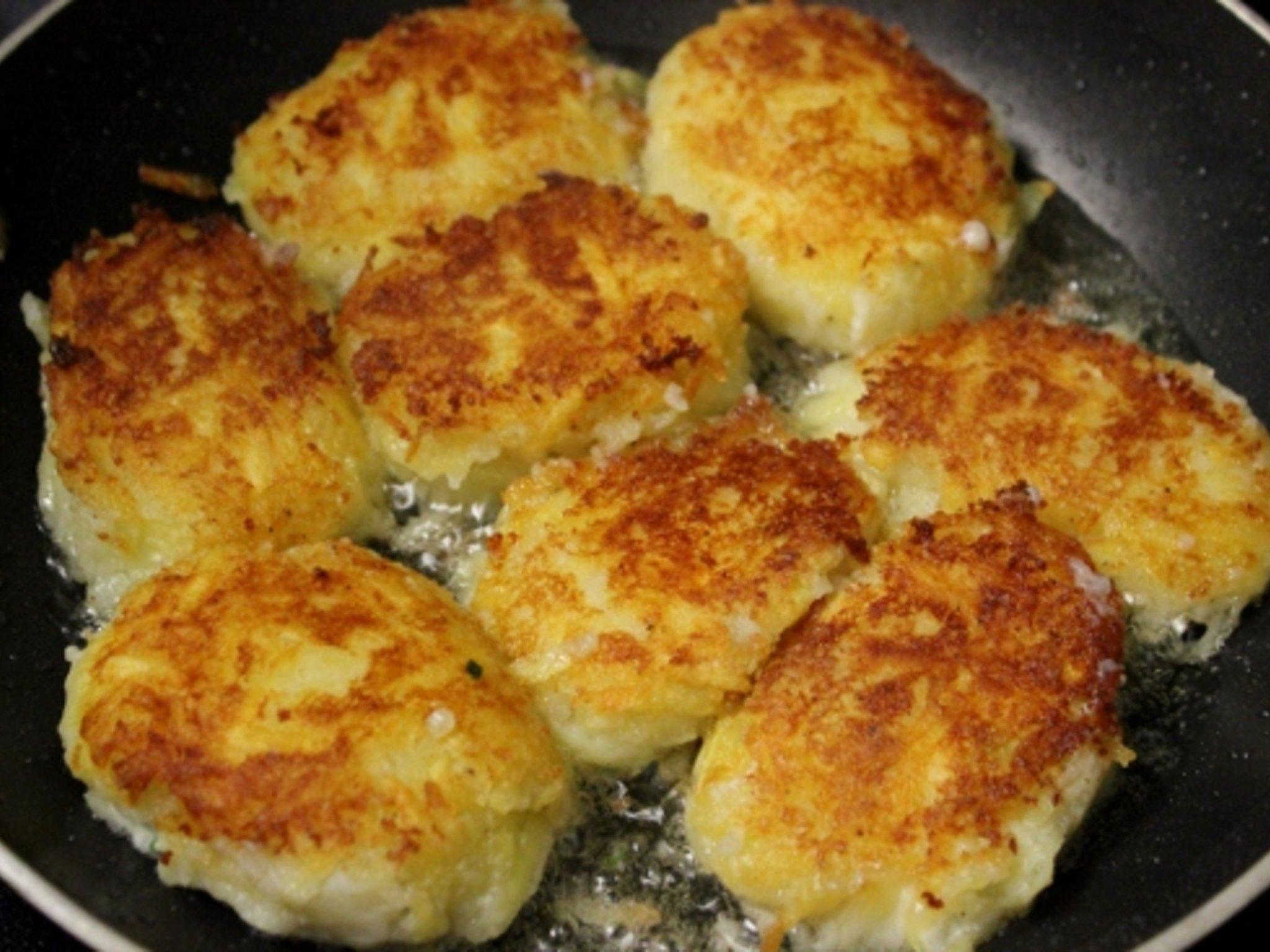 Как правильно жарить котлеты на сковороде рецепт пошаговый