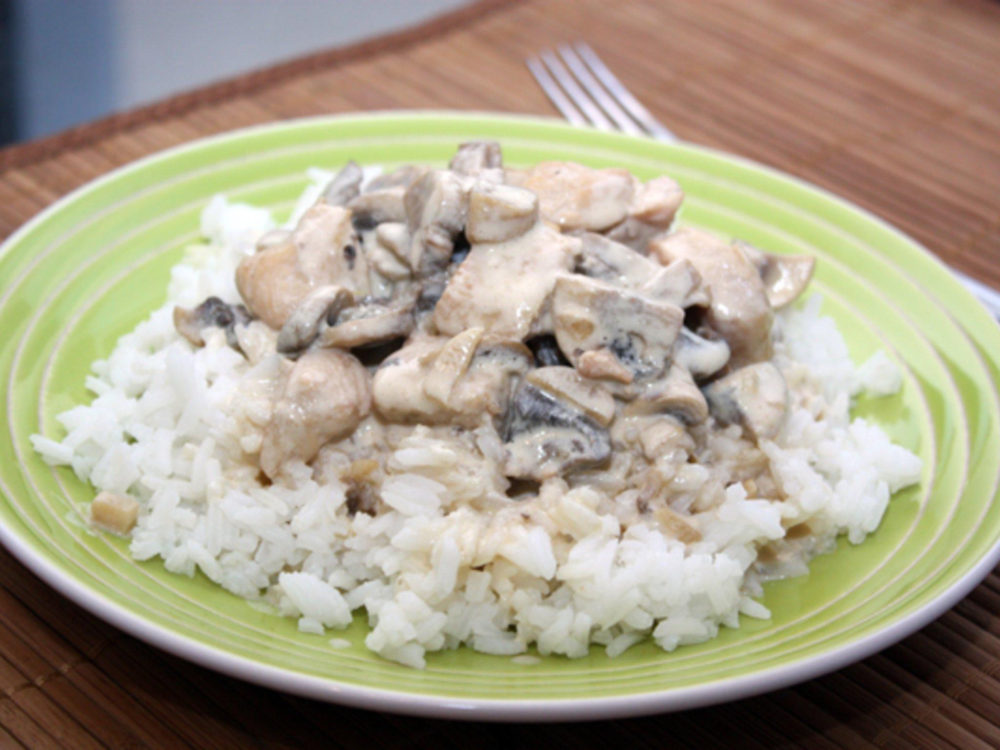 Курица со сливками и грибами