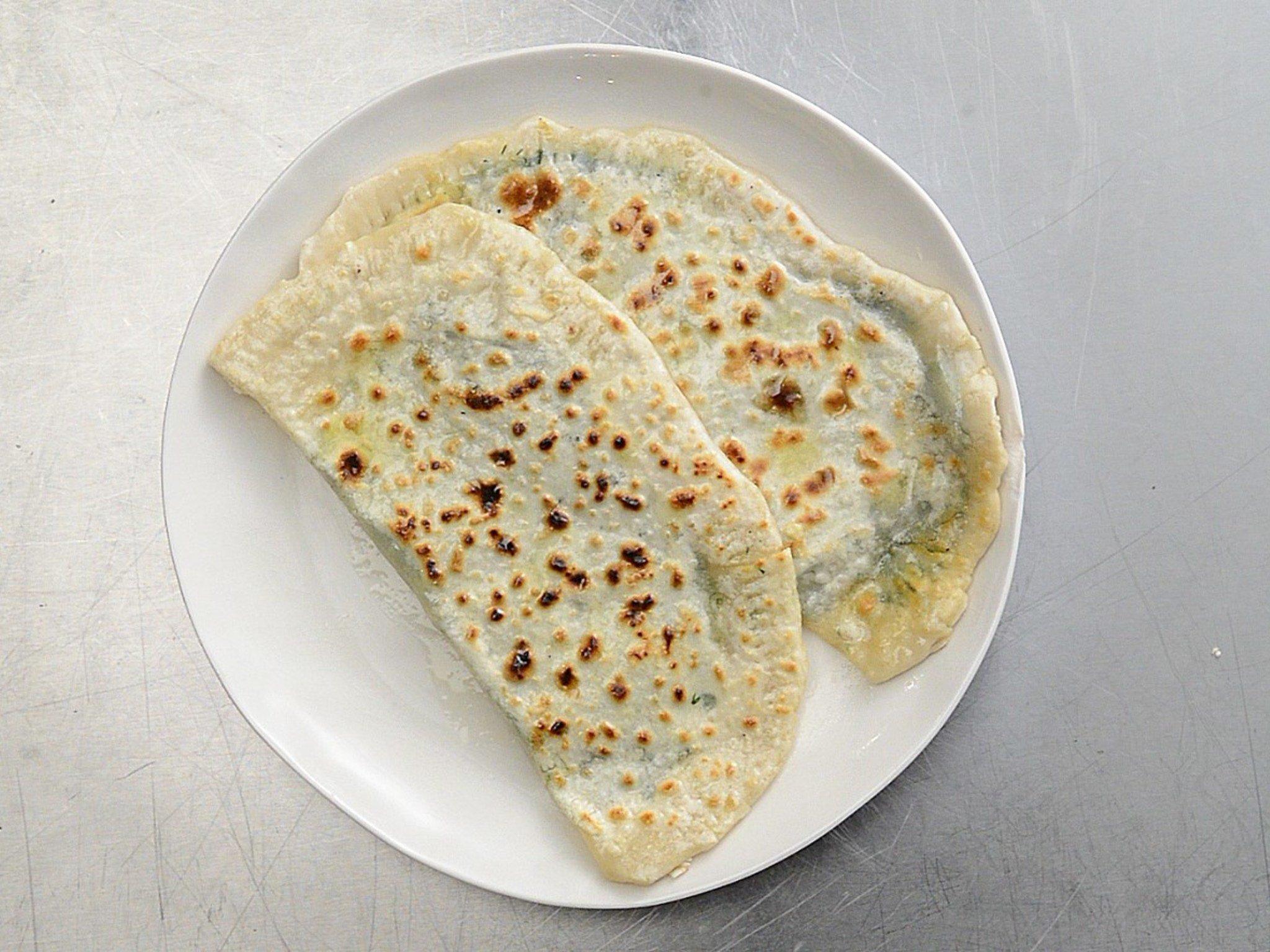 Кутабы с зеленью и сыром фото рецепт пошаговый