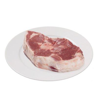Большой стейк из баранины