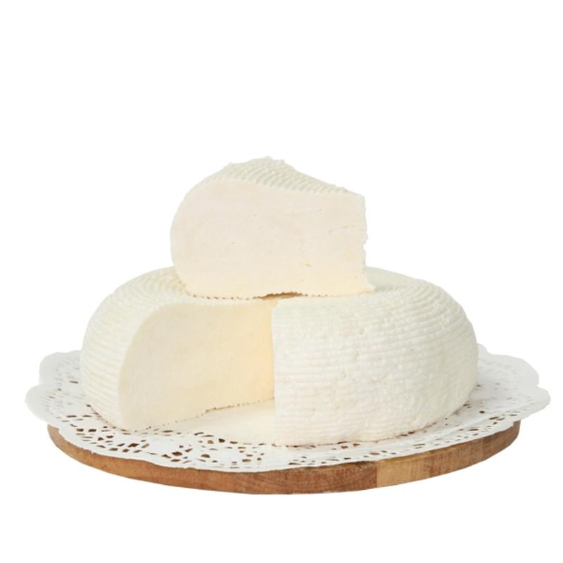 Адыгейский сыр 0.6 кг.                                                    с фермы Лукино                              ..